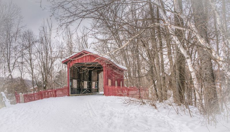 Covered-bridge-630242_1280