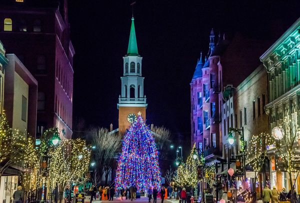 Christmas In Burlington Vermont Featuring Church Street
